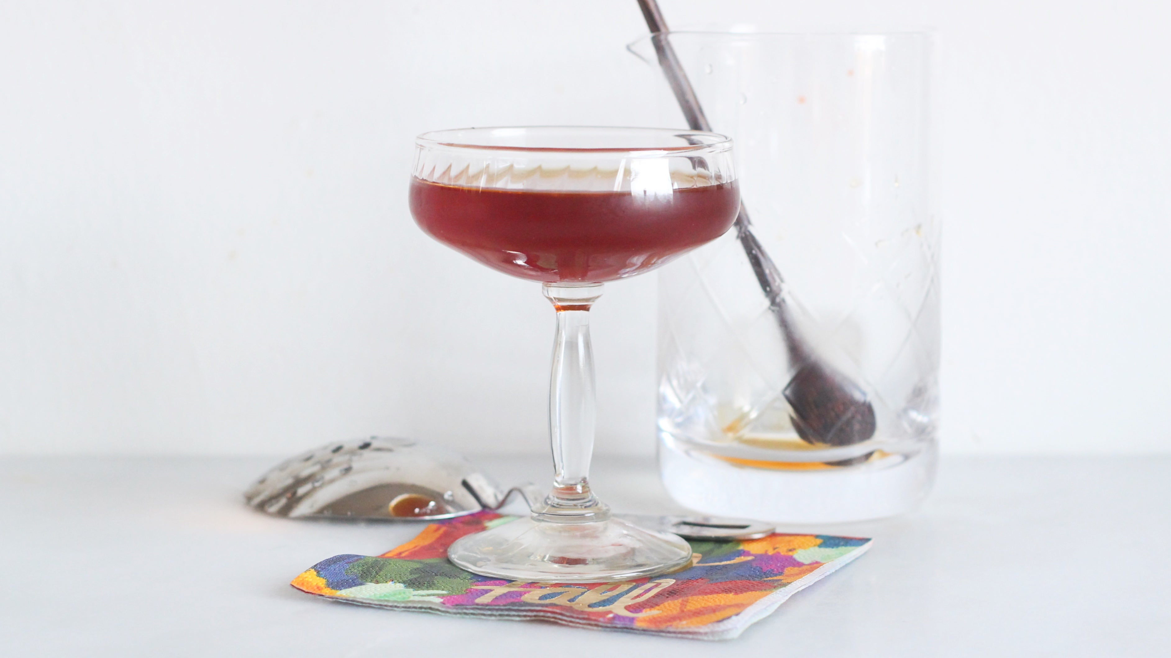 This Vermouth And Pear Cocktail Is Ideal For Fuzzy Evenings