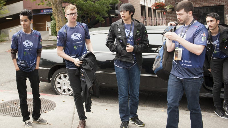 Aui Rejoins Evil Geniuses DOTA 2 Team After Arteezy Goes To Team Secret