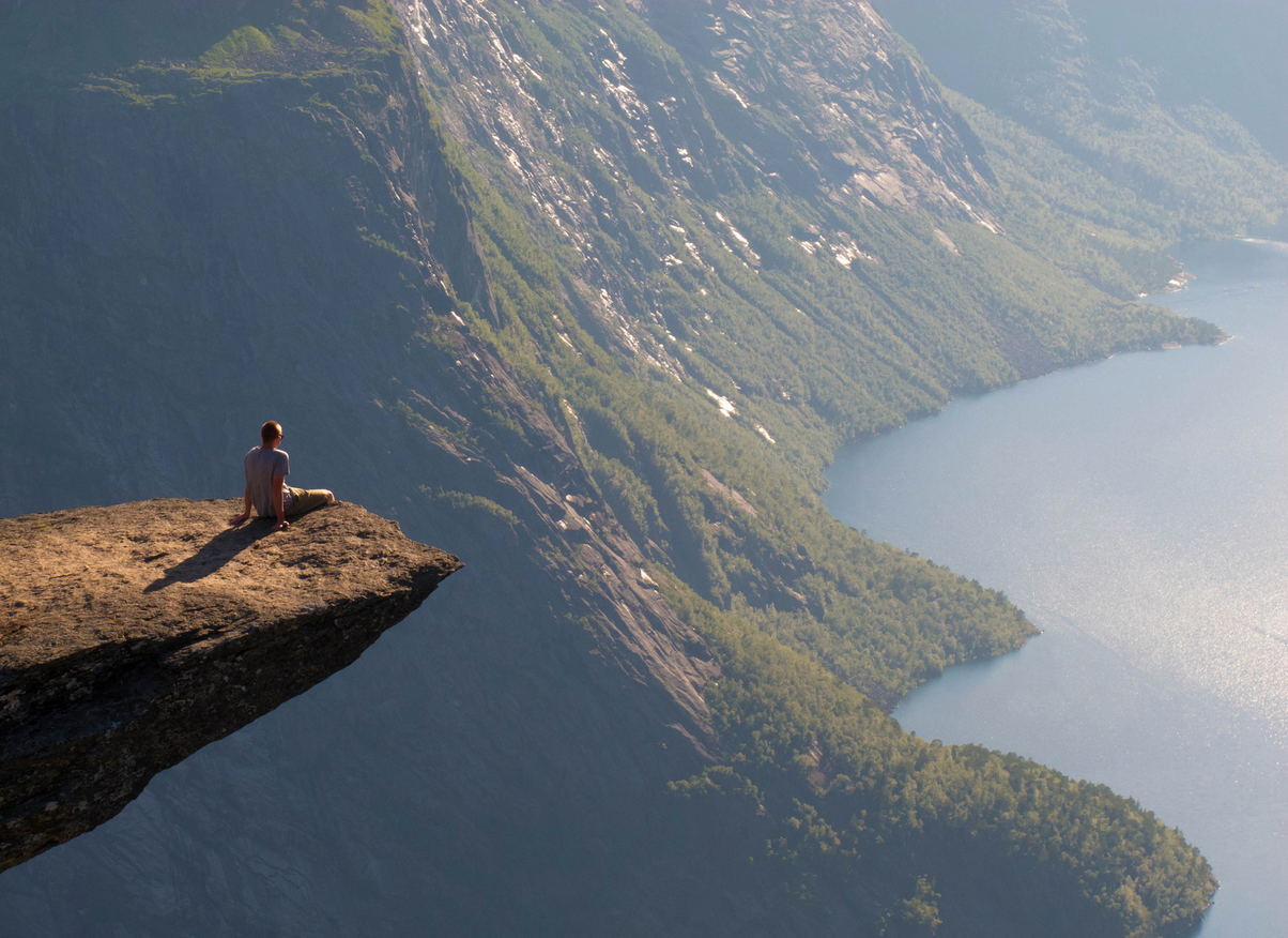 Beautiful Norwegian cliff is a nightmare for those afraid of heights