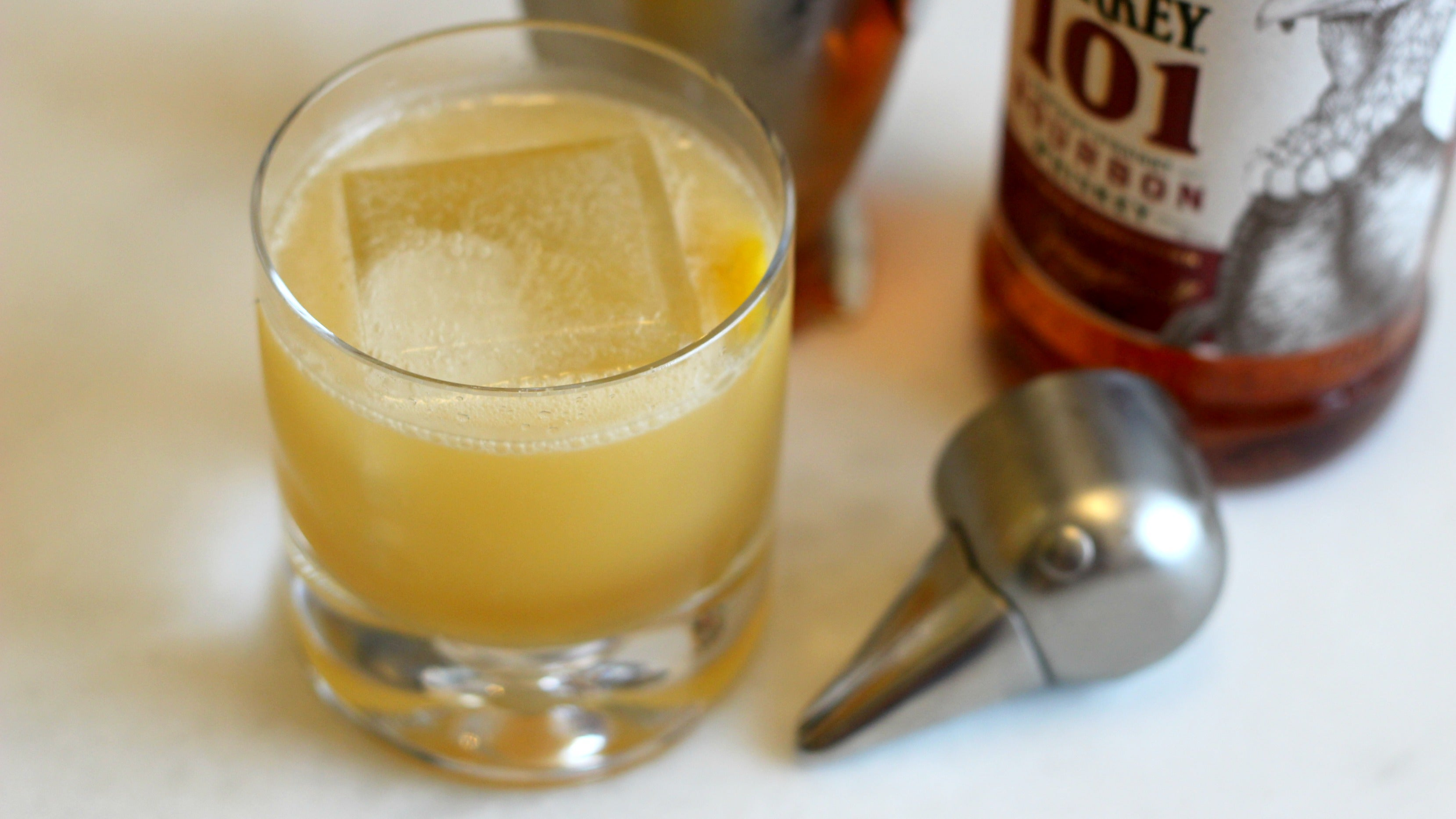 3-Ingredient Happy Hour: The Gold Rush