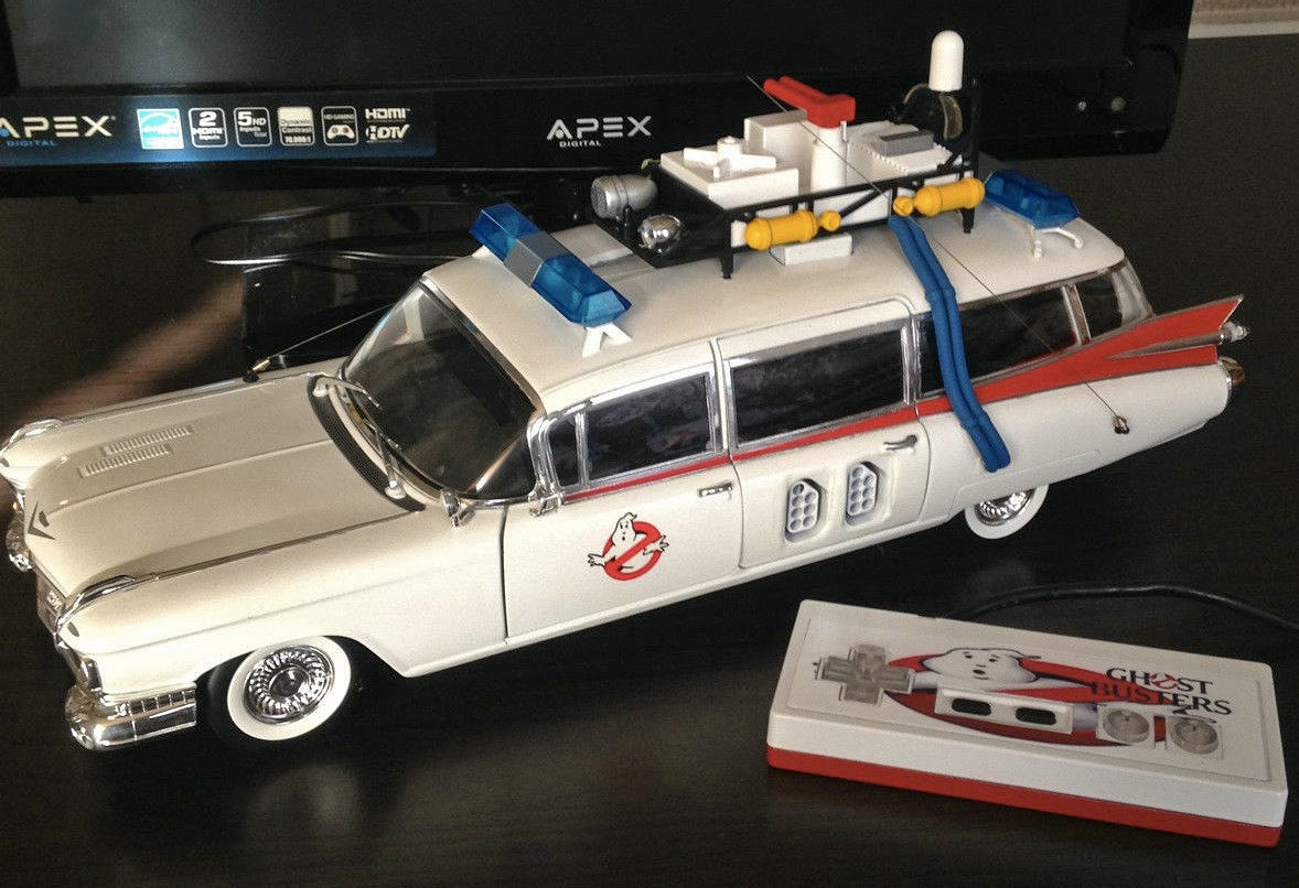 A Working NES Inside an Ecto-1 Is Everything Great About the '80s