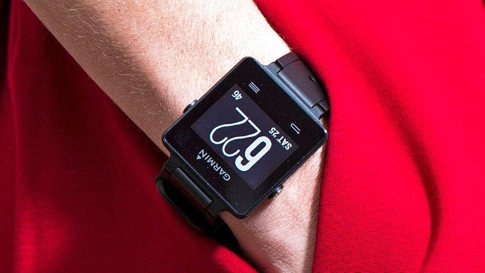 Garmin's Slim vívoactive Bridges Smartwatches and Fitness Trackers