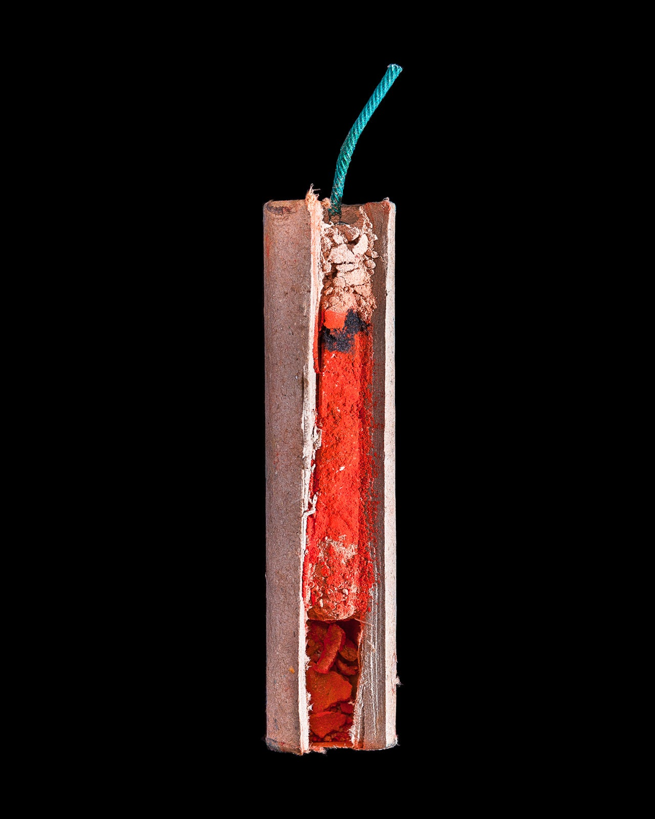 Cross Section Views of Firecrackers Are As Cool As their Explosions