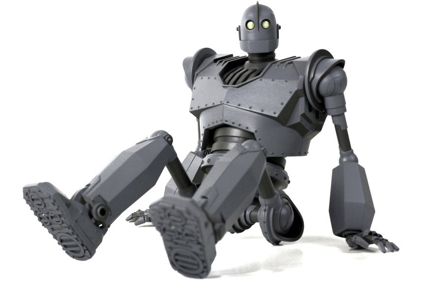 This Is the Iron Giant Figure We Deserved 16 Years Ago