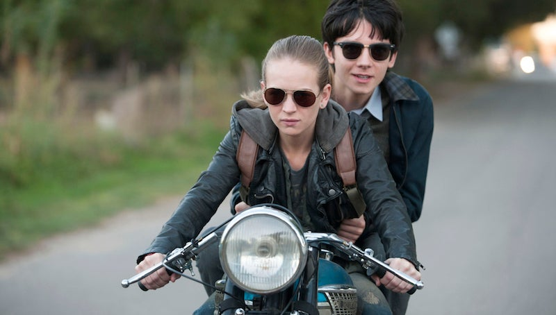A Teen From Mars Meets A Girl From Earth In The LatestSpace Between Us Trailer