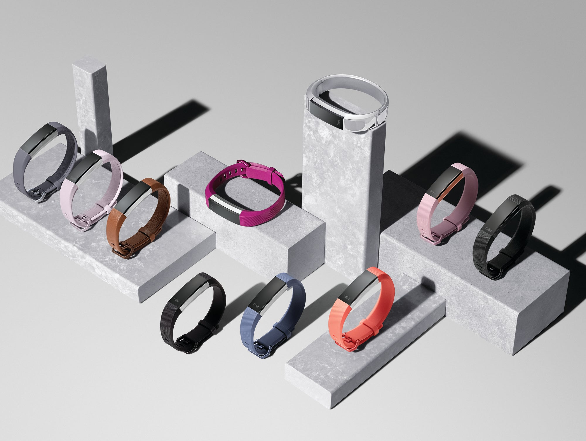 Fitbit Finally Made A Good Looking Heart Rate Tracker | Gizmodo