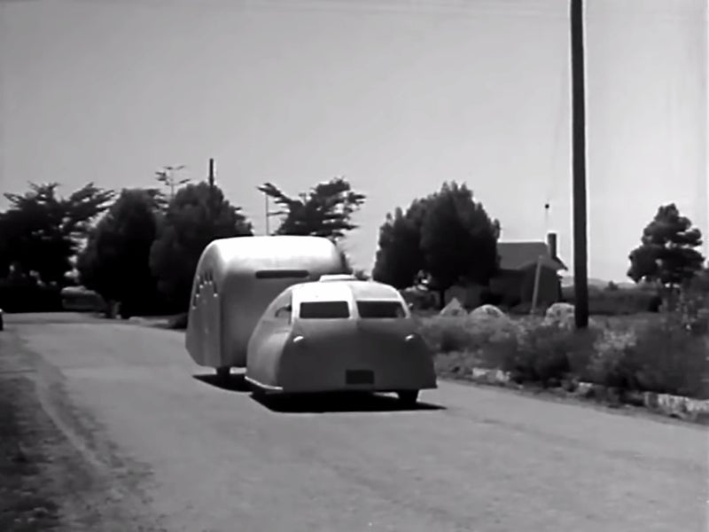 This 1935 Streamlined Car Of The Future Looks Like A Beautiful Death Trap