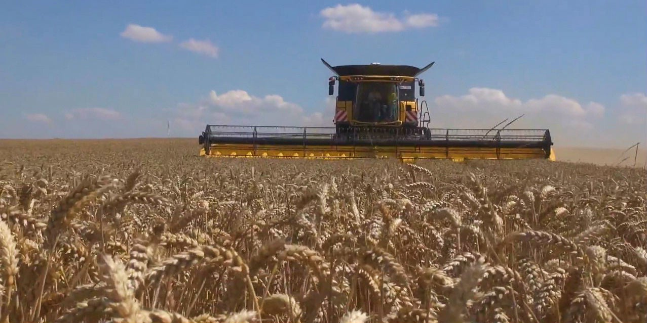 Monster Machines: The World's Most Badass Combine Harvester Just Set A World Record