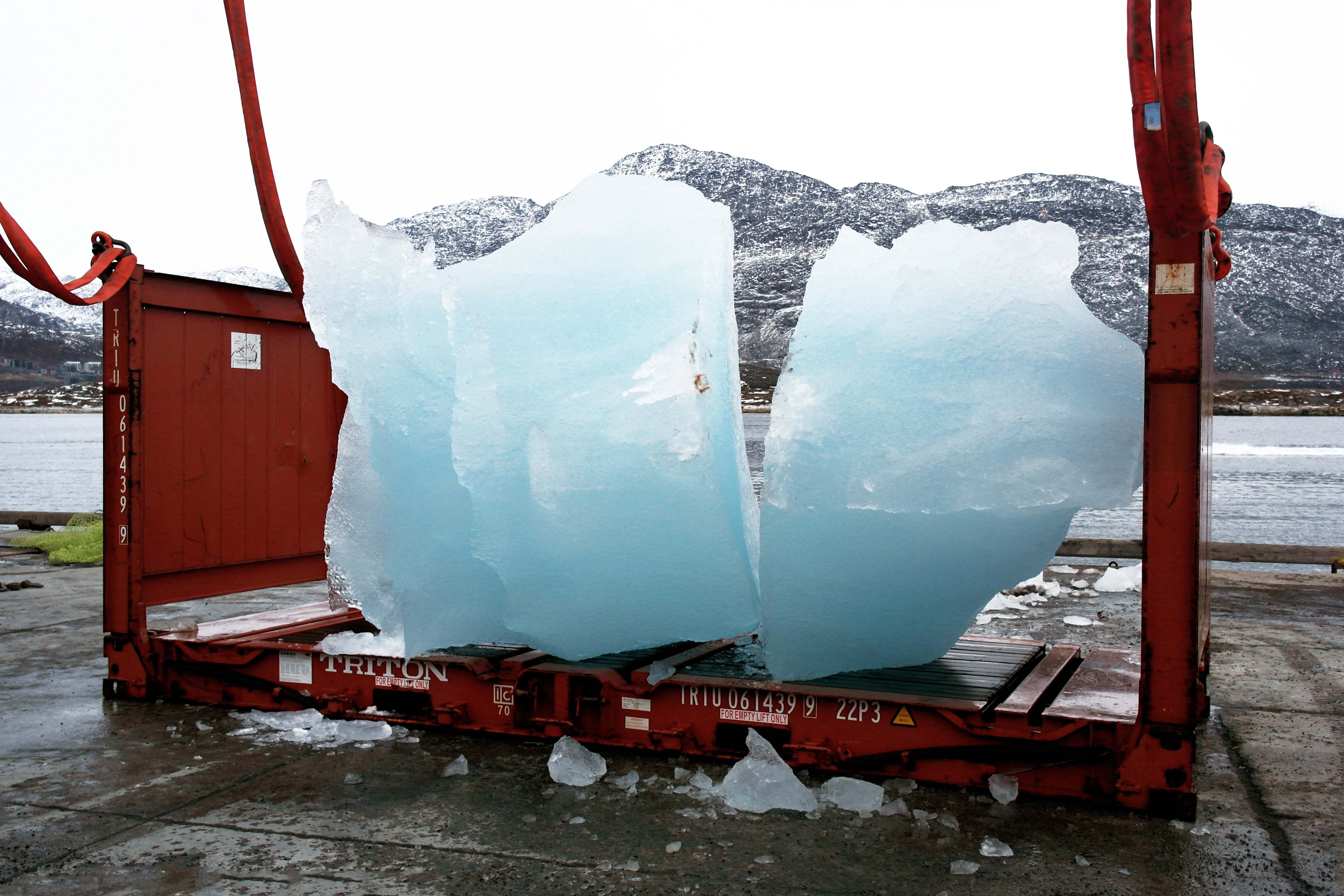 What It Takes To Transport 112 Tonnes Of Arctic Ice Over 3,000 Kilometres