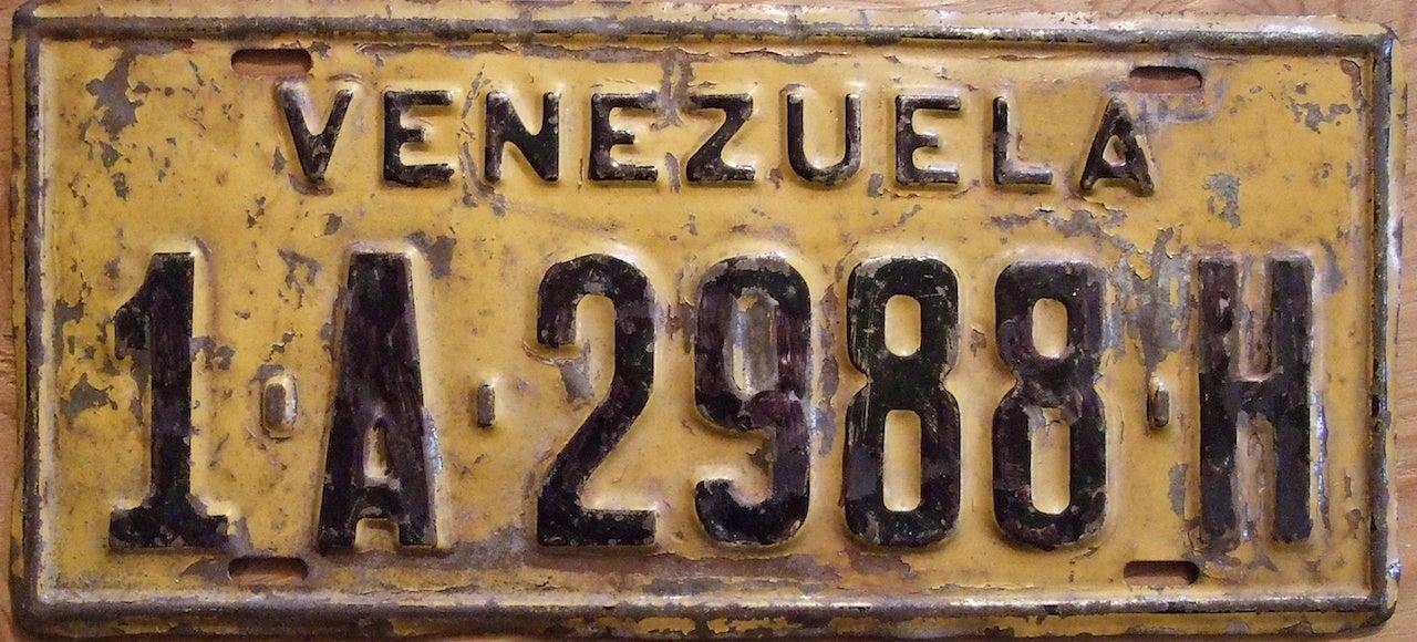Venezuela Is Turning Thousands of Abandoned Cars into Houses