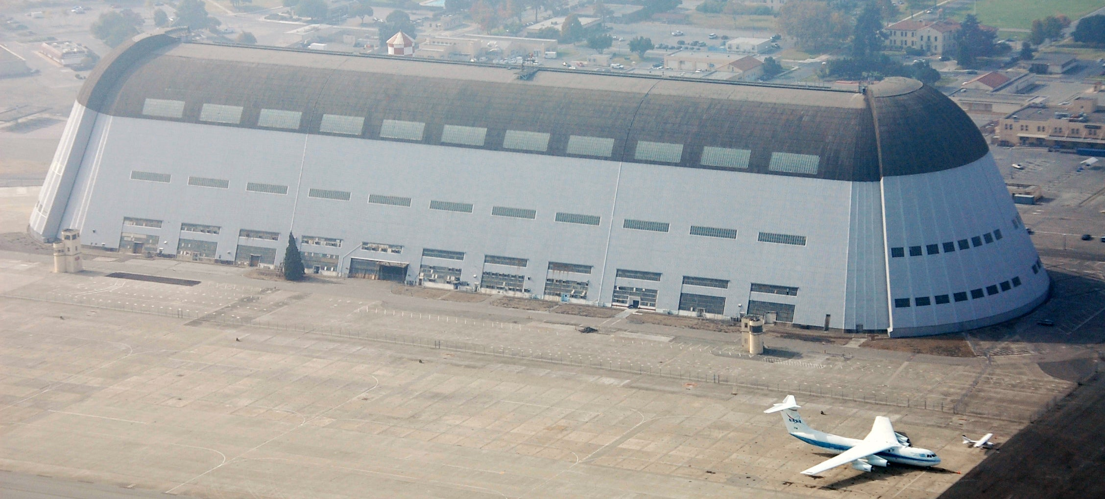 Google's Spending $US1 Billion on an Old NASA Hangar, No One Knows Why