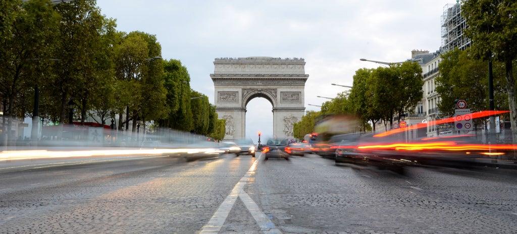 Police Have Raided Uber's Parisian HQ
