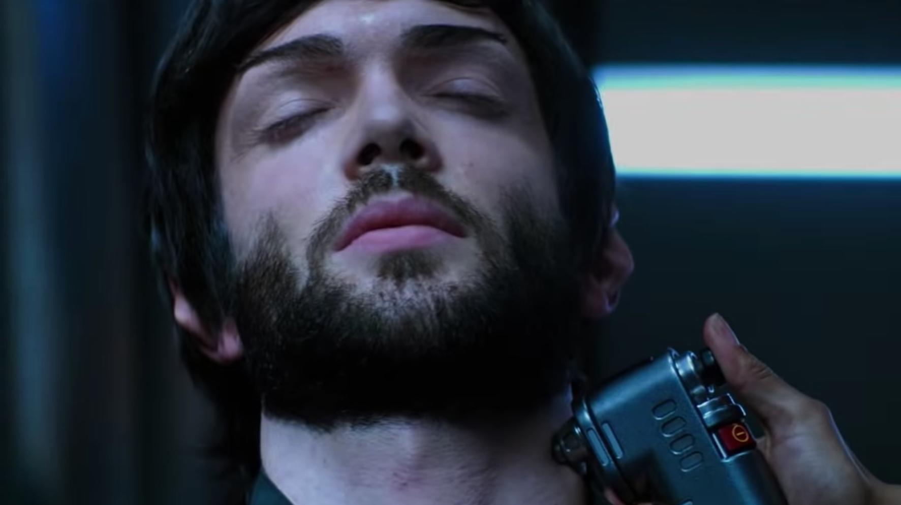 Star Trek: Discovery's Showrunner Promises This Spock 'In No Way Violates Canon'