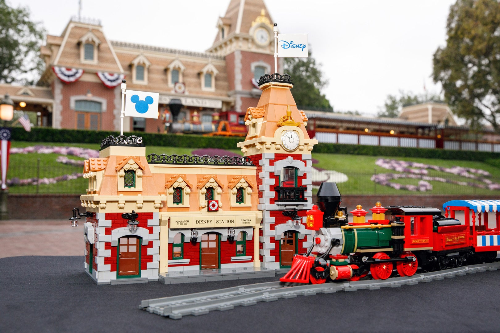 Lego's Motorised Disney Train Set Looks Like It Just Pulled Out Of The Park
