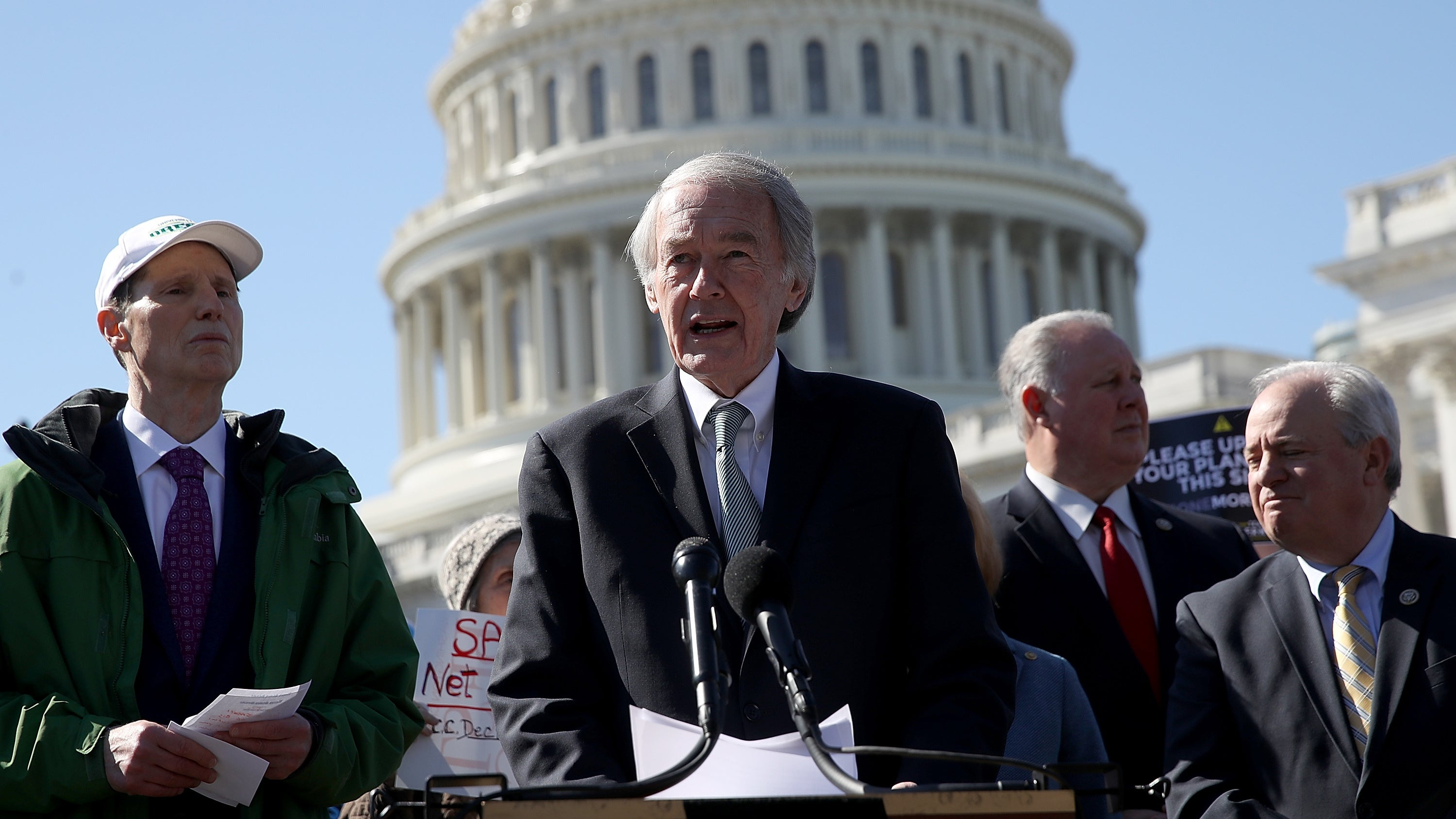 US Democrats Unveil Plan To Save Net Neutrality (or Make Republicans Look Bad While Trying)