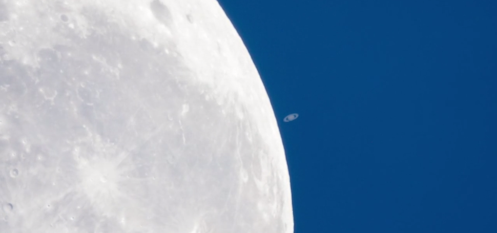 A extraordinary video of Saturn setting on the Moon