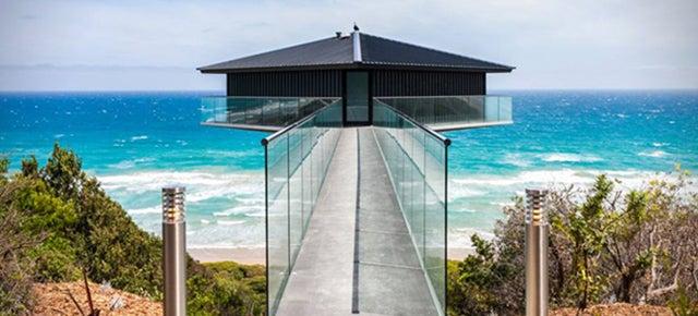 This Coastal Australian House Looks Like It's Floating Over The Ocean