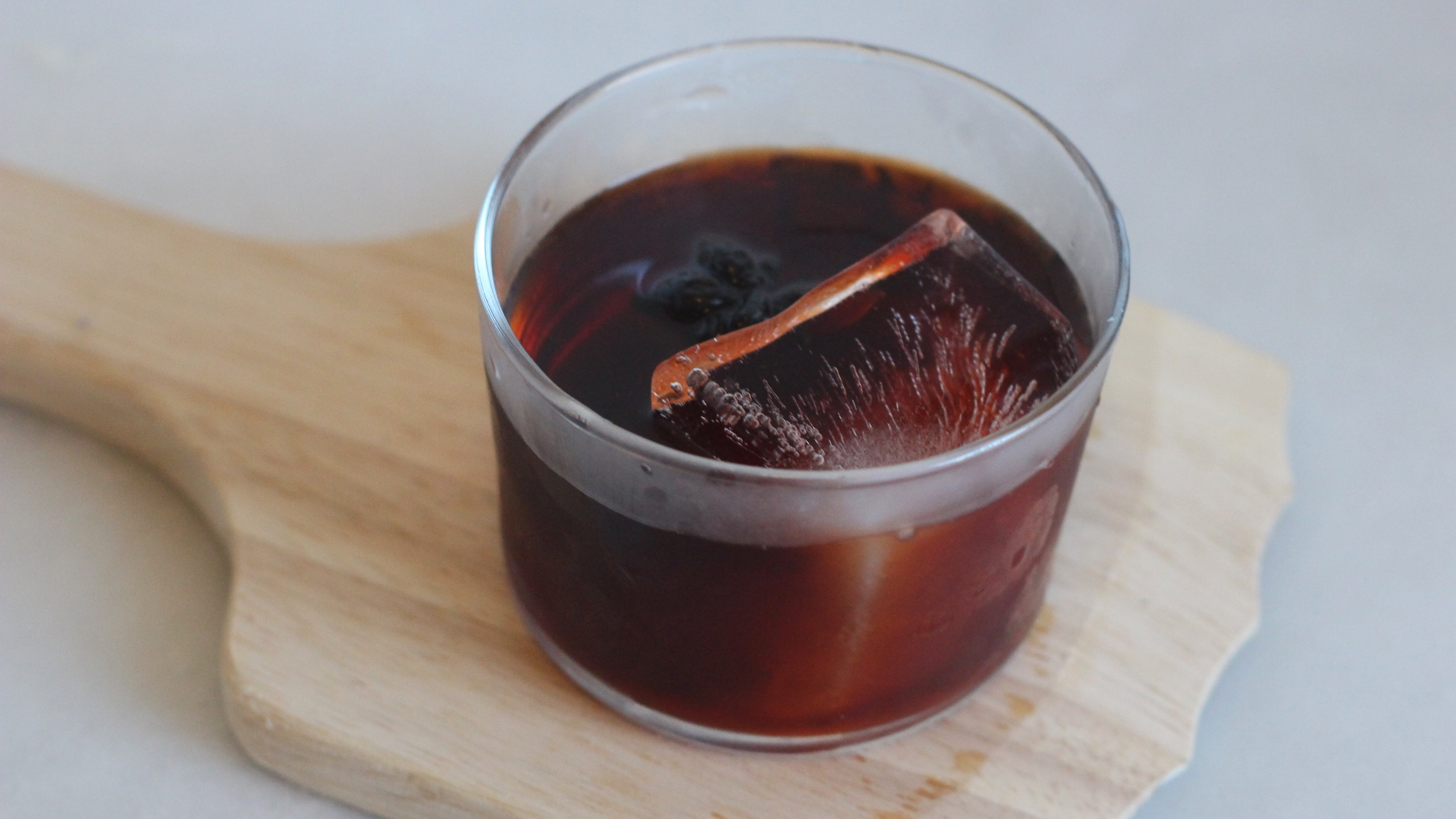 How To Make A Smoked Cocktail Indoors