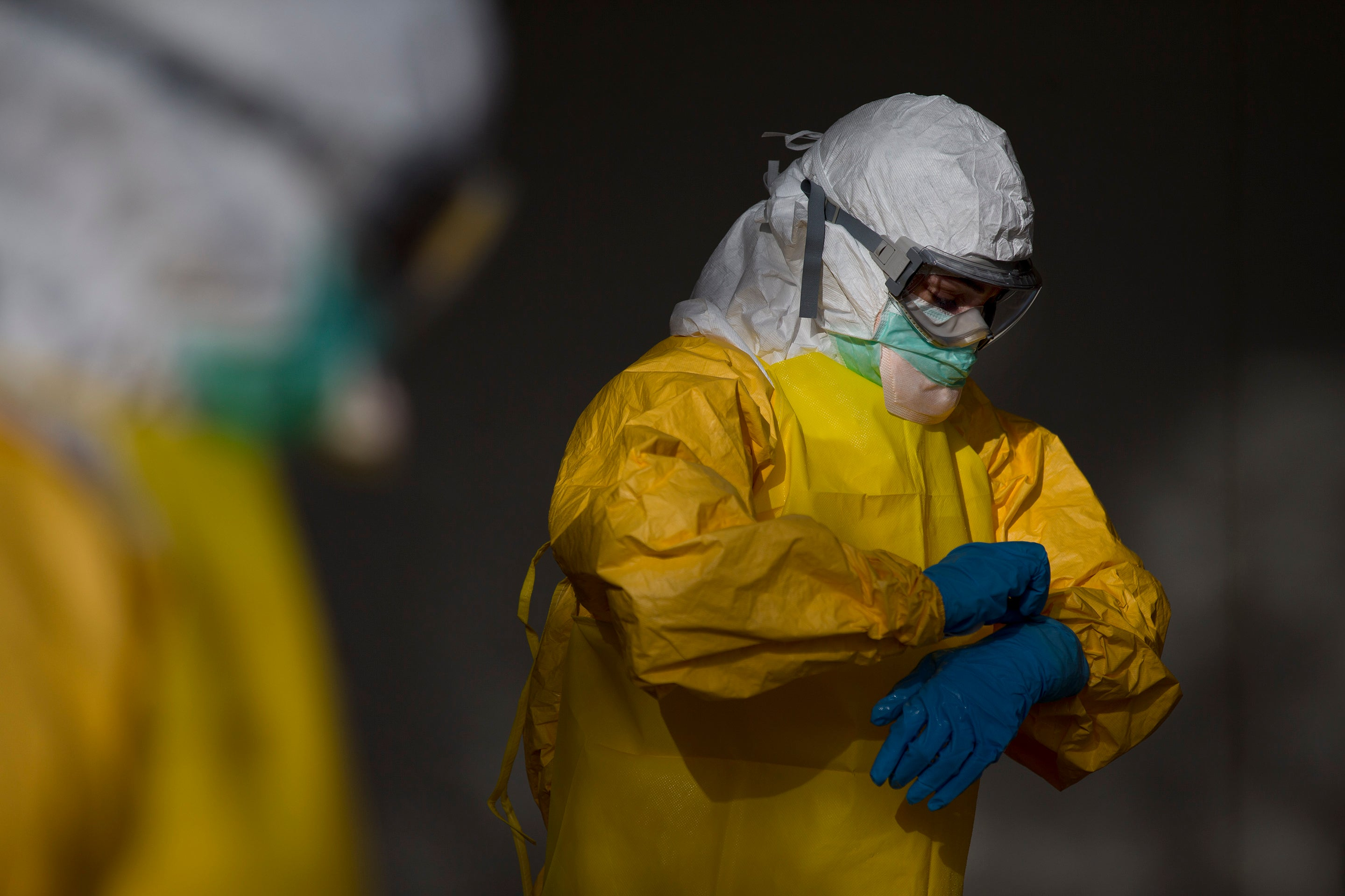 The Race to Build a Better Suit For Ebola Aid Workers