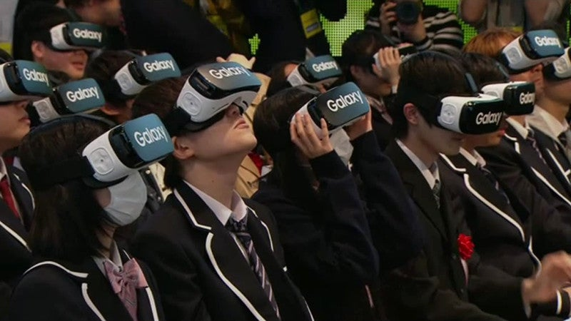 Japanese Students Wear VR Headsets at School Ceremony