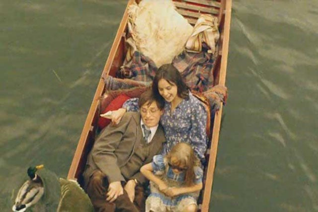 Theory of Everything Review: Stephen Hawking's Little-Known Love Story