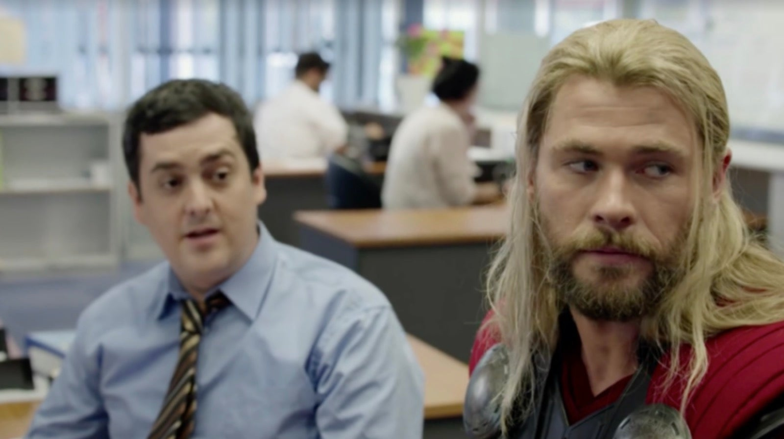 Thor's Australian Pal Darryl Is Back For The Ragnarok Blu-ray With A New Roommate You'll Love
