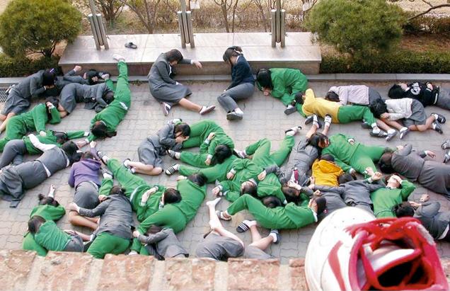 South Korean Kids Pull Hardcore April Fools' Pranks