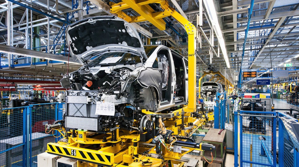 Workers Shut Down Mercedes Factory That Called Them In During Coronavirus
