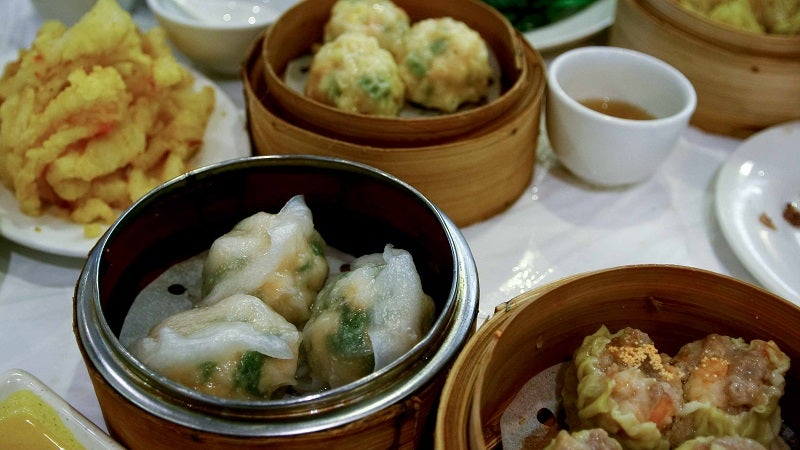 The Proper Dining Etiquette for a Dim Sum Meal