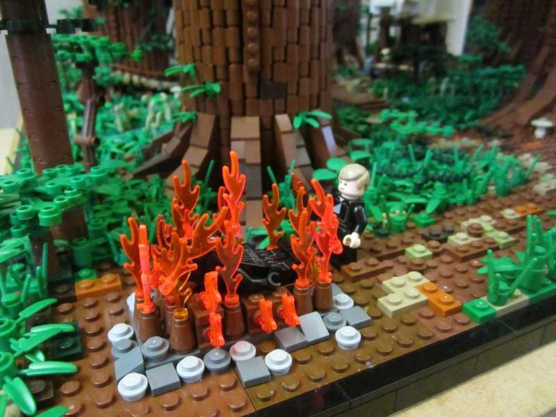 Fan Builds Huge 1m Tall Star Wars Ewok Village