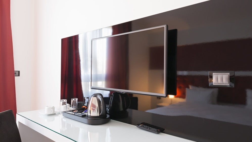 How To Outsmart Your Hotel Room TV And Use Its HDMI Ports For Anything You Want