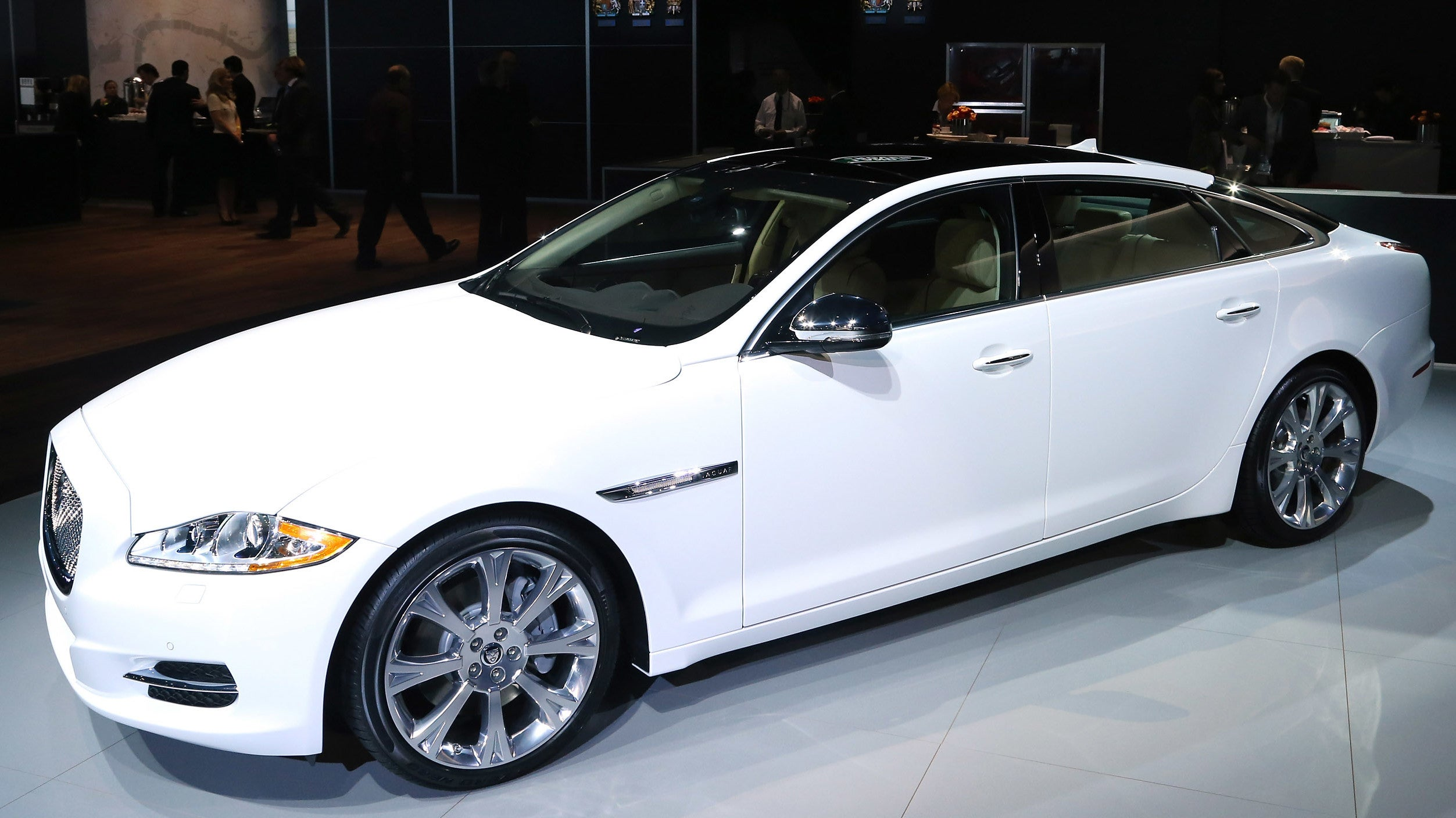 Man Sues Jaguar Claiming Automatic Door On $96,000 Car Severed His Thumb
