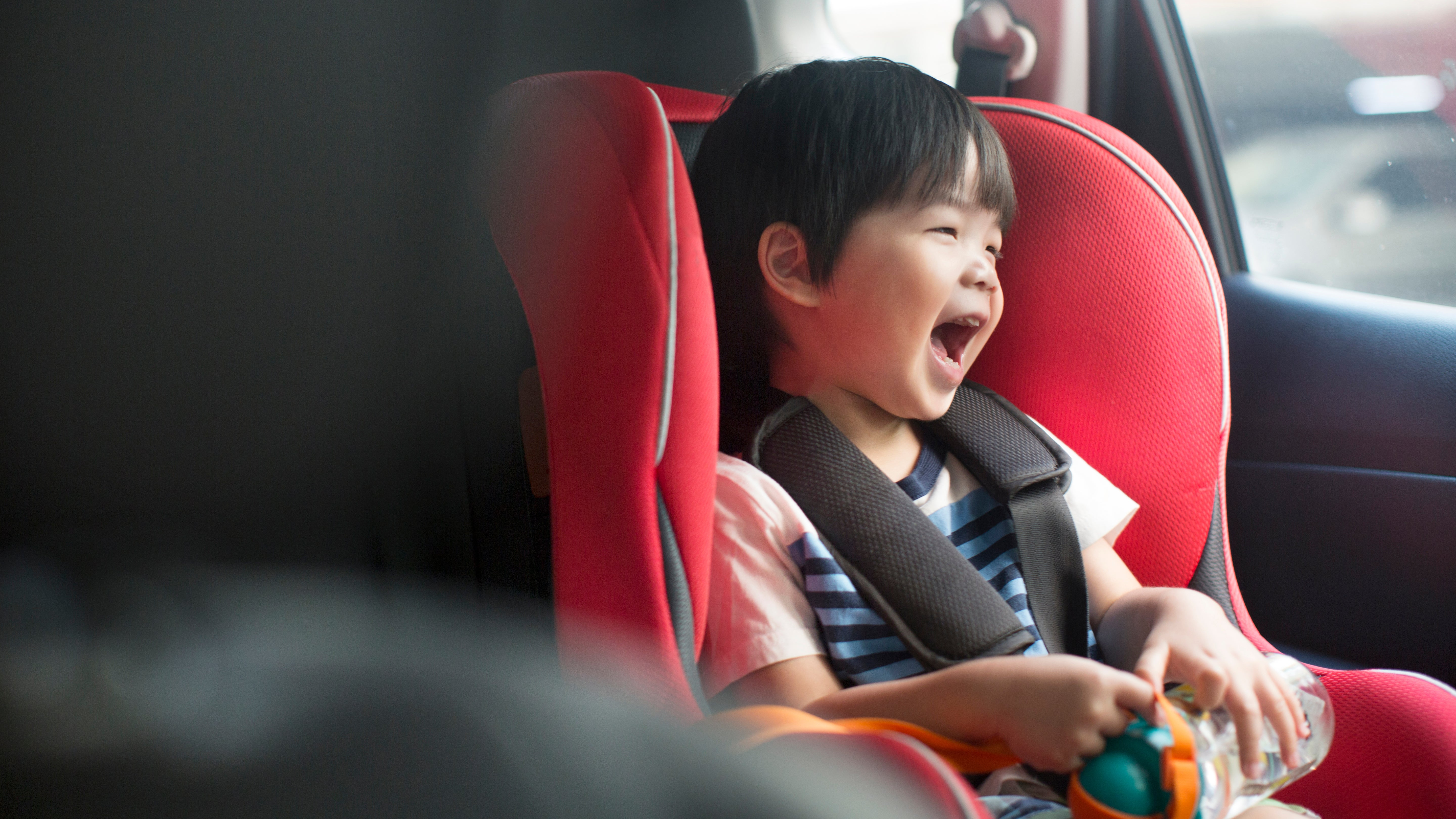 can kids travel in an uber without a child seat?