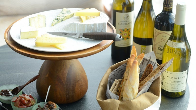 Why You Should Serve White Wine With Your Cheese Plate