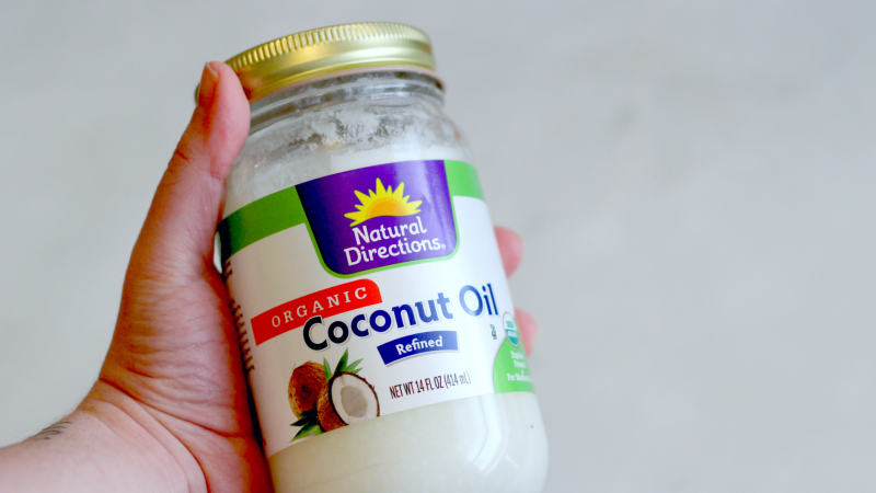 Coconut Oil Will Rid Your Hands Of Garlic Stink