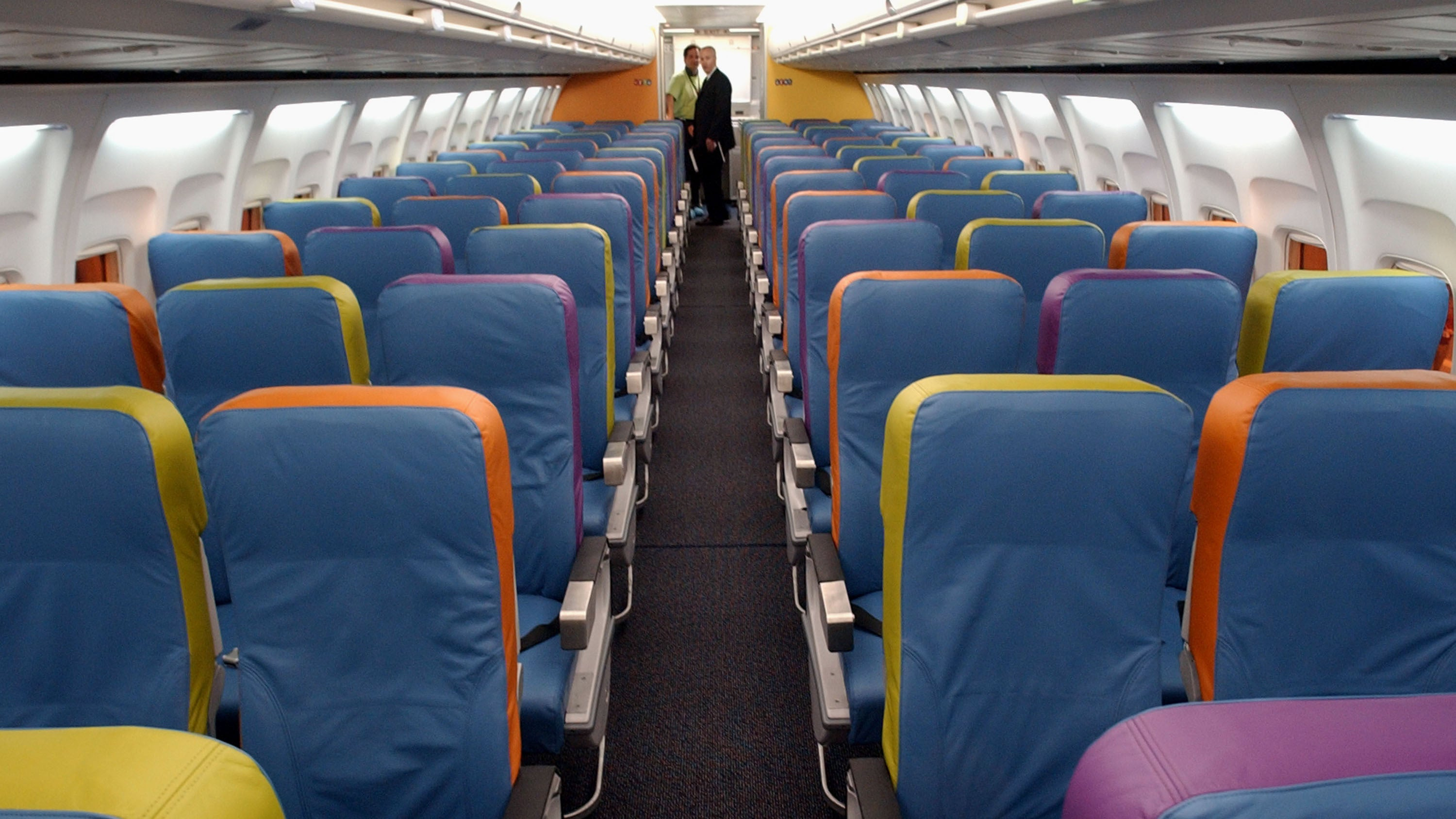 Here's How Much Leg Room And Reclining Space You Get On 17 Major Airlines