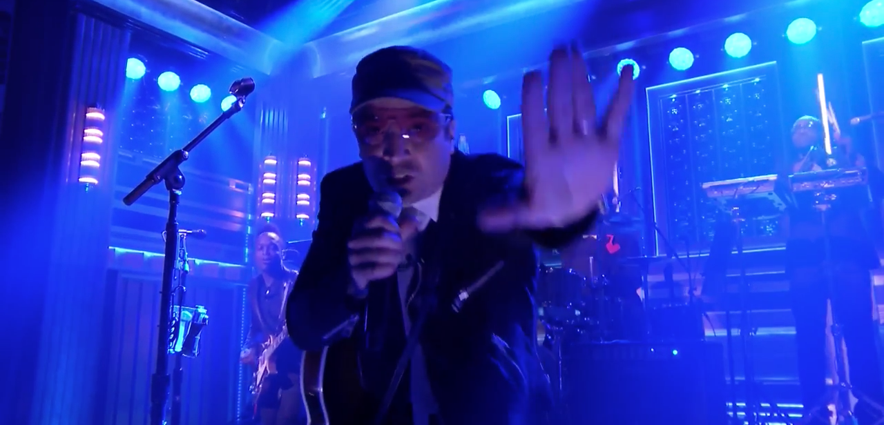 Jimmy Fallon and the Roots own U2 in perfect cover of Desire