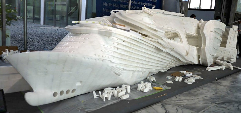 An Artist 3D-Printed 100,000 Parts To Make This 26-Foot Long Sculpture