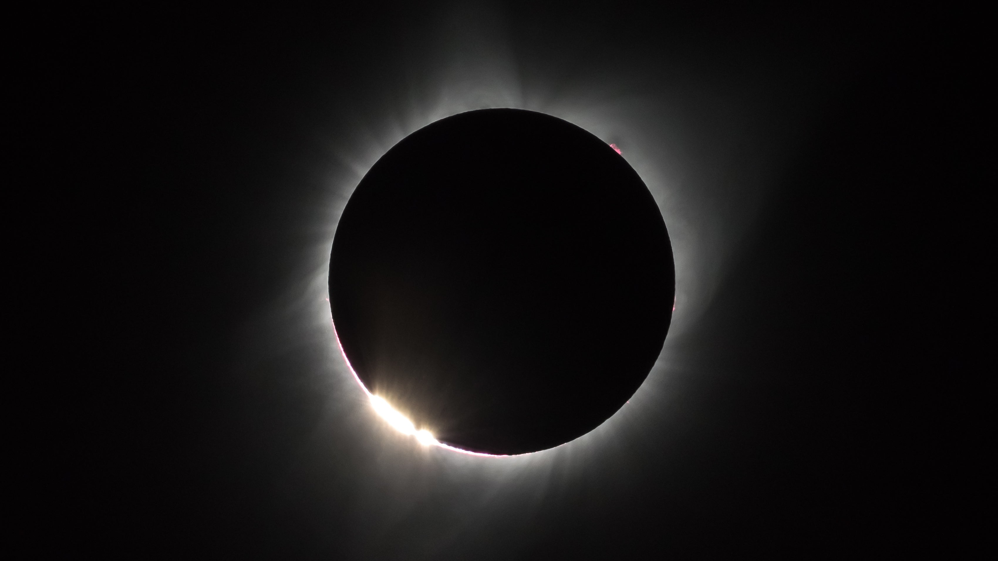 Thousands Of Amateur Radio Operators Measured The Solar Eclipse's Effects On The Atmosphere