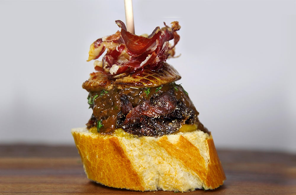 I think I can eat 12 of these pintxo burgers for breakfast right now
