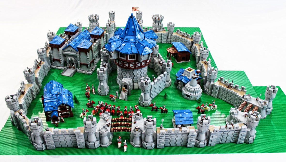 World Of Warcraft Lego Castle Used Over 55 000 Pieces