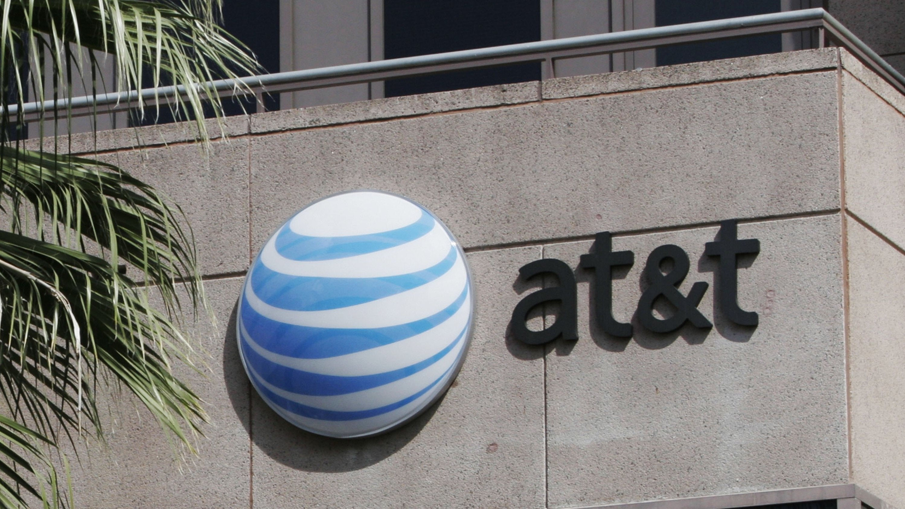 AT&T Drops Court Challenge That Kept FTC From Policing Net Neutrality