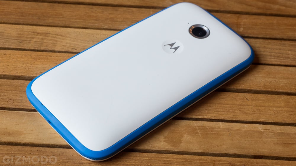 Motorola's Great Little Cheapo Phone Has a New Look and LTE