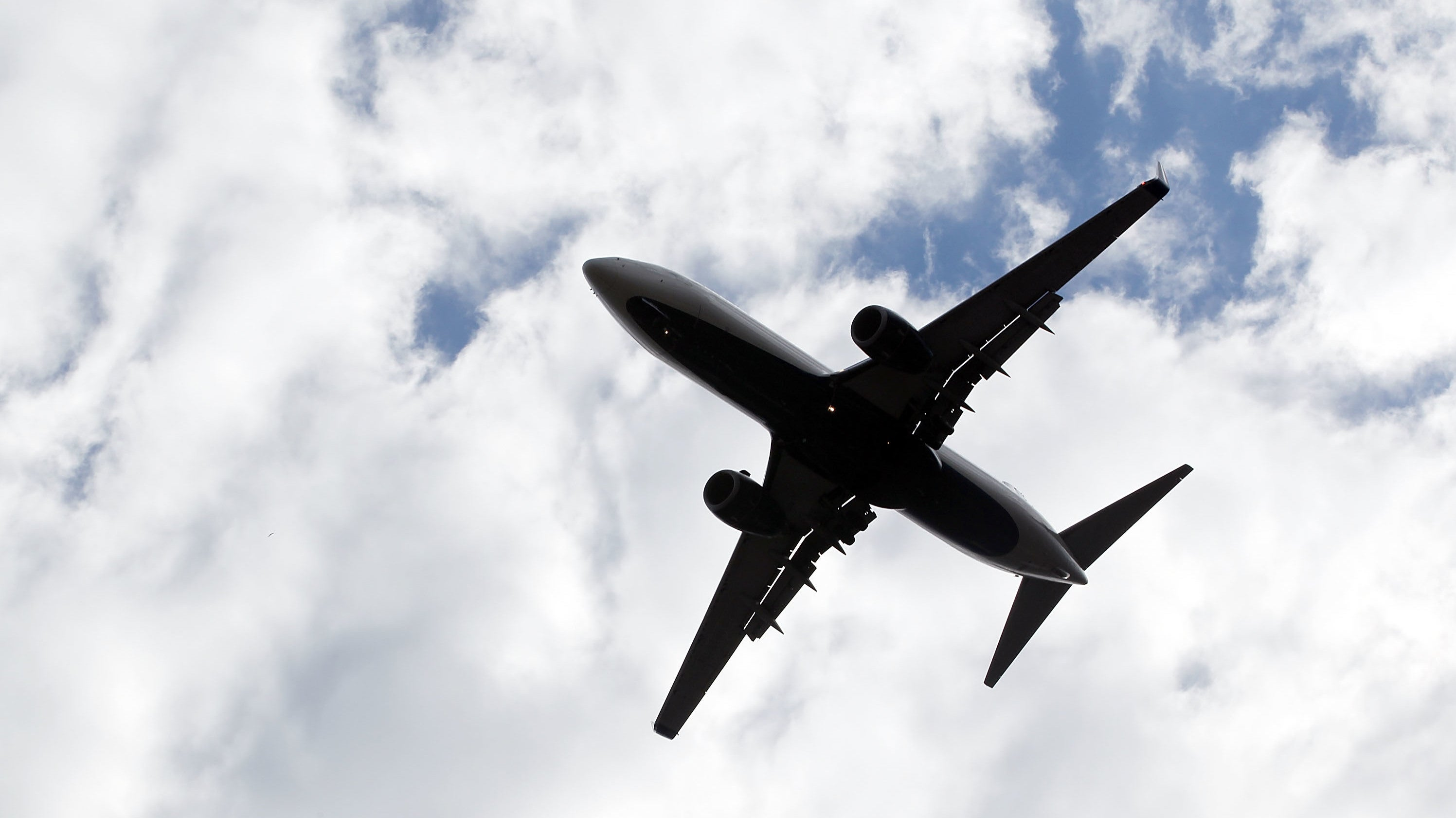 US Government Researchers Say It's Only A 'Matter Of Time' Until A Commercial Airline Is Hacked