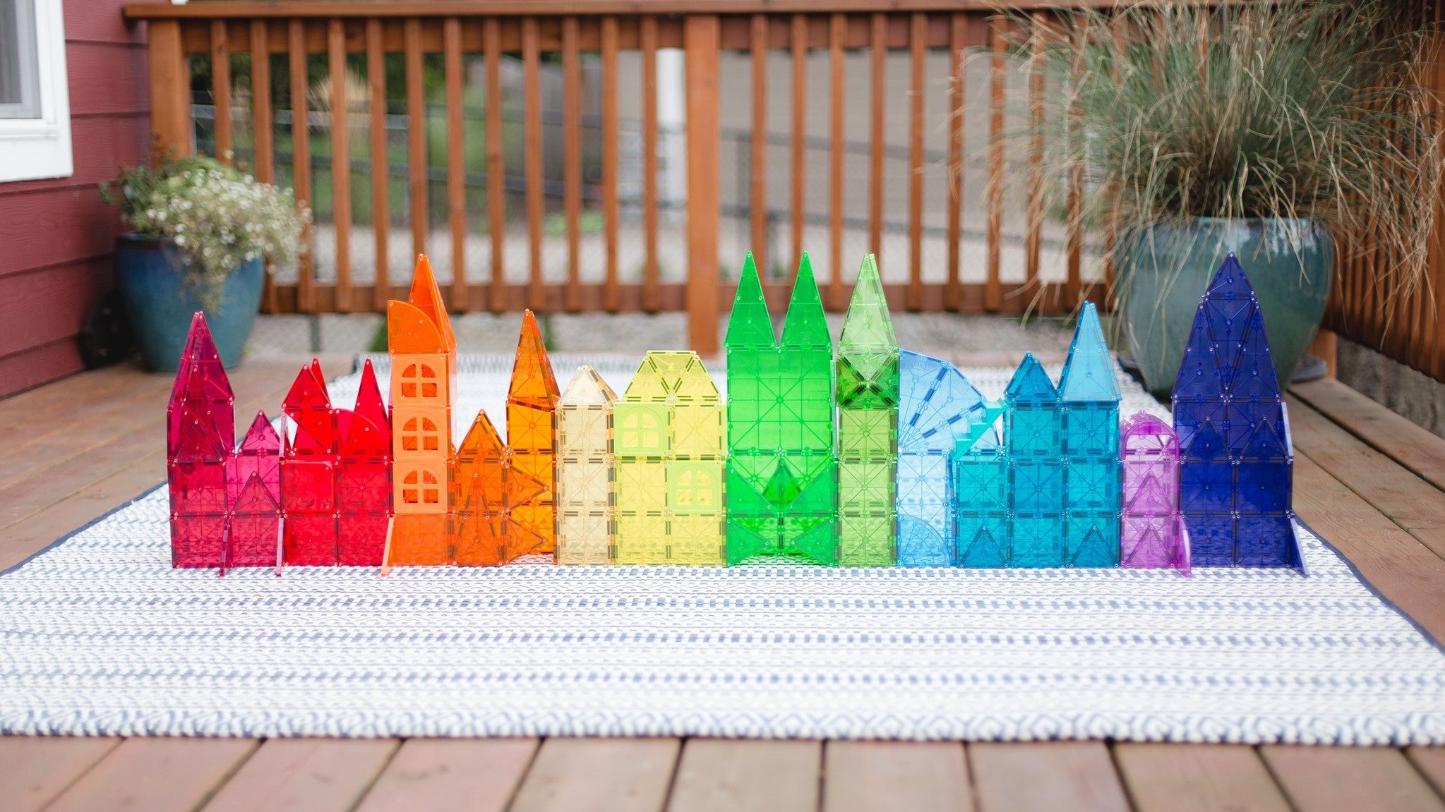 Use Magna-Tiles To Secure Birthday Banners To Your Car