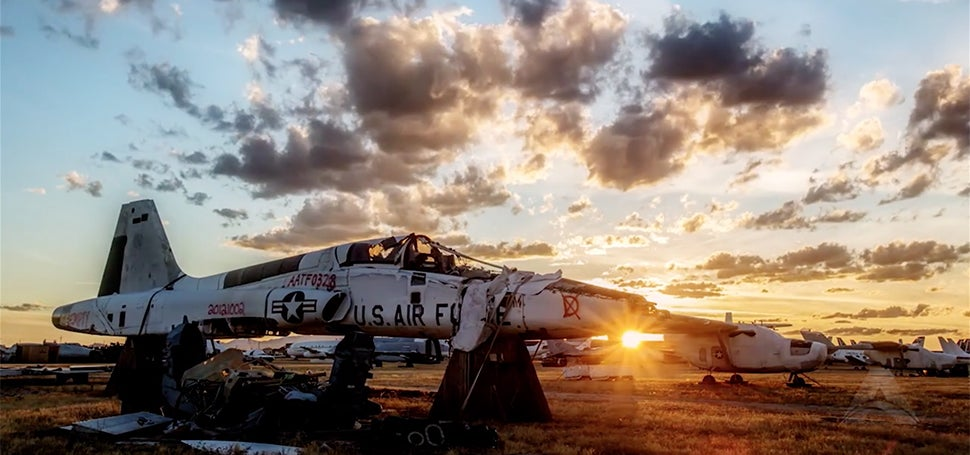 Beautiful time-lapse of The Boneyard, the aeroplane cemetery in Arizona
