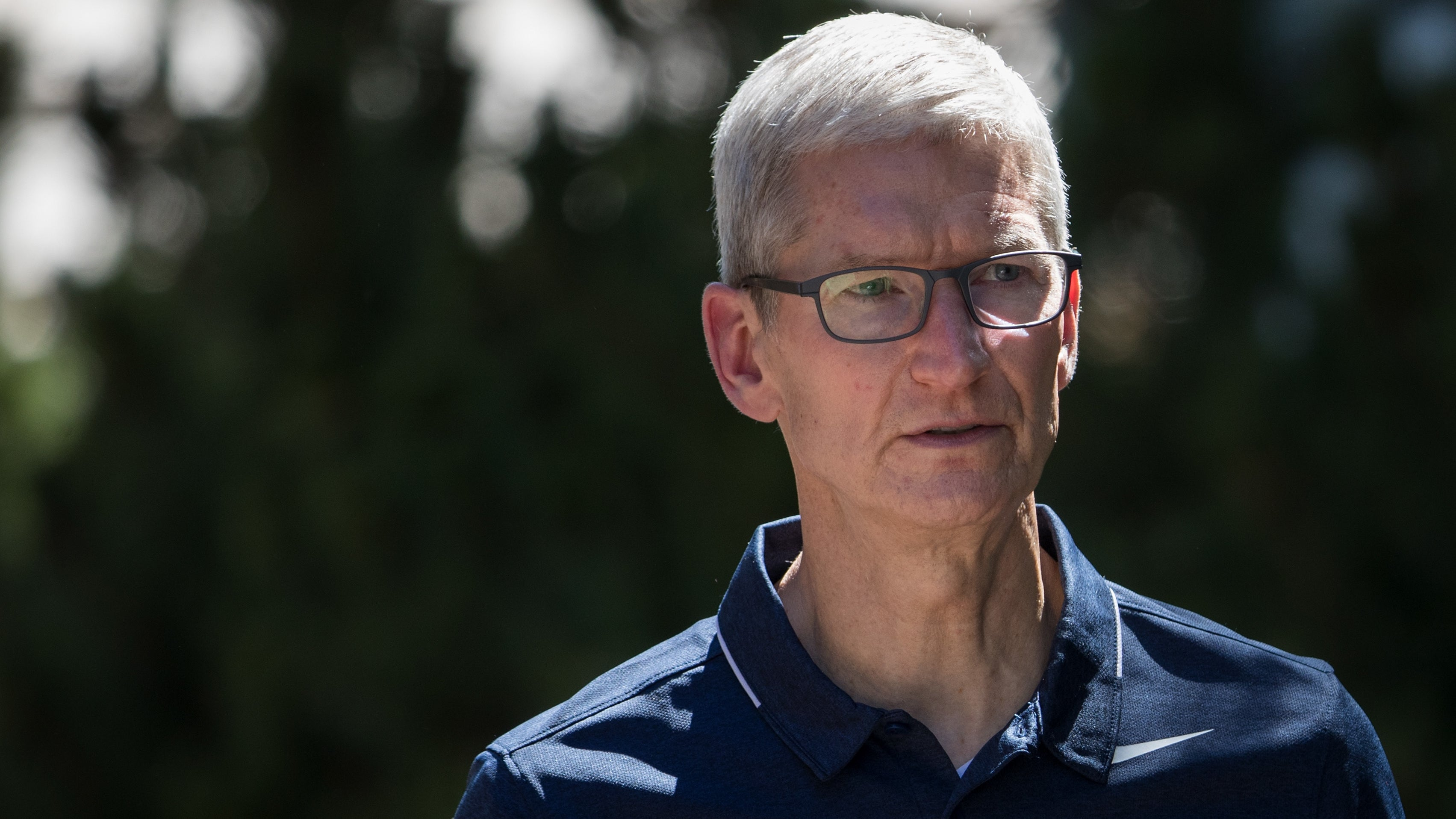 Apple Says It Pays Women Less On Average In The UK
