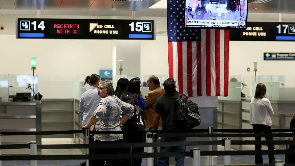 2017 Was A Banner Year For Phone And Computer Searches By US Border Agents