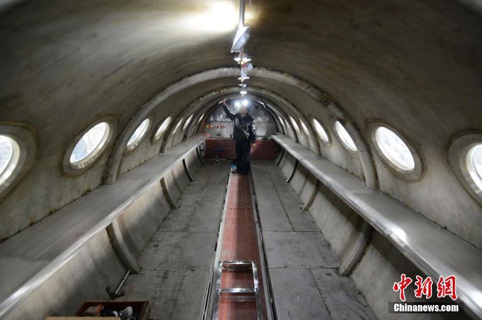 Homebuilt Submarine Ready for Dive