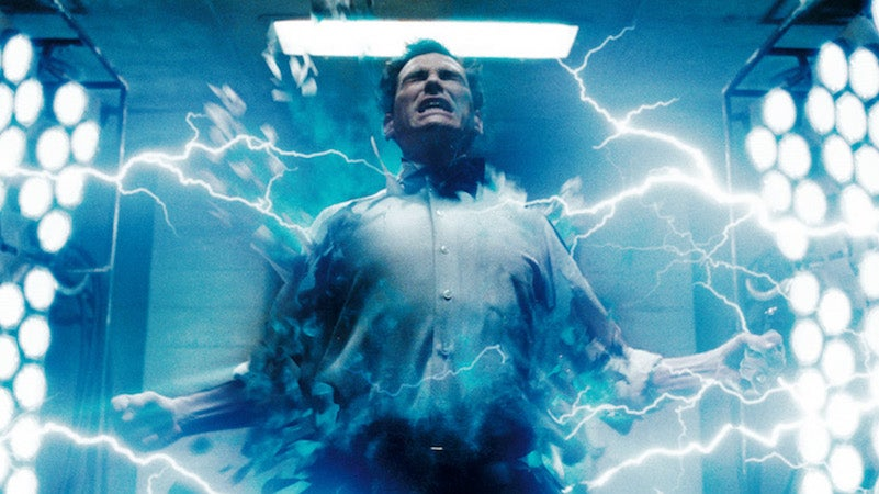 Dr Manhattan In Talks To Be The Movie Flash's Dad